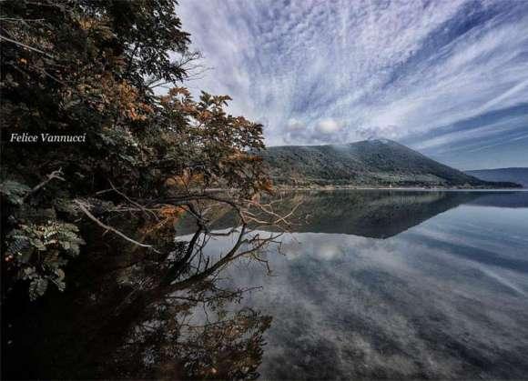 specchio,lago,riflessi,amore,pensieri,poesia,cuore,vita,