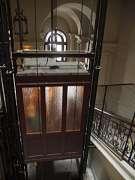 """""""il sibilo di un vecchio/ascensore""""- immagine dal web"""